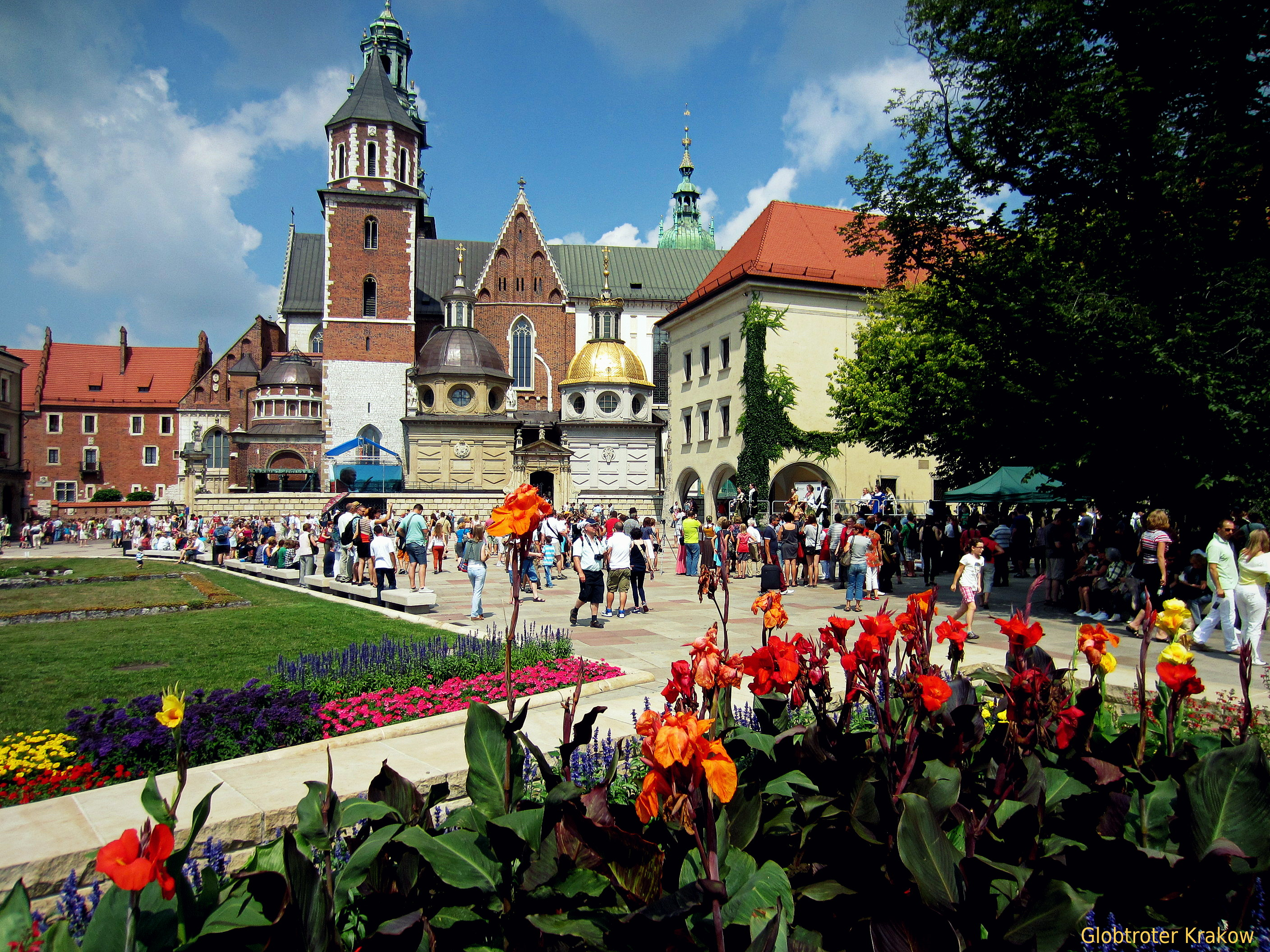 Weather in Poland may be capricious. July and August are the hottest months with the most sunny days. On the other hand, during those days city is full of tourists.