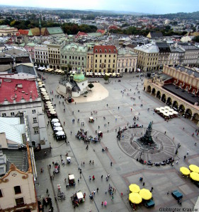 Good morning from Cracow... have a nice day.. Dzień dobry z Krakowa...udanego dnia... Main Market Square... view from Bugle Tower... Rynek Główny... widok z hejnalicy...