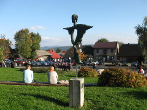 The sculpture at the market square in Lanckorona... Rzeźba na rynku  w Lanckoronie