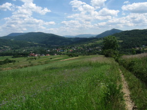 The view of Pcim village and the Makow Beskids... Widok na Pcim i Beskid Makowski
